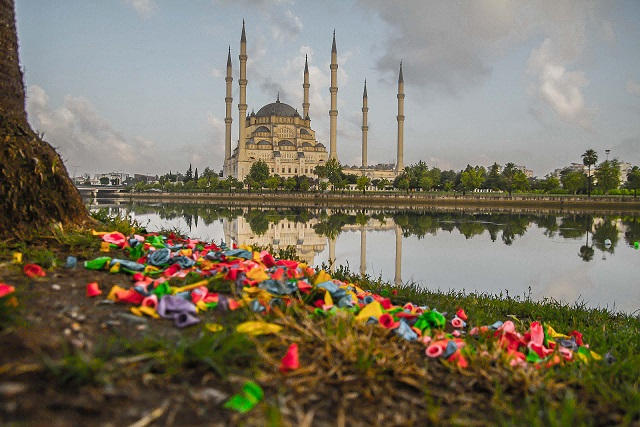 Adana dan Turlar